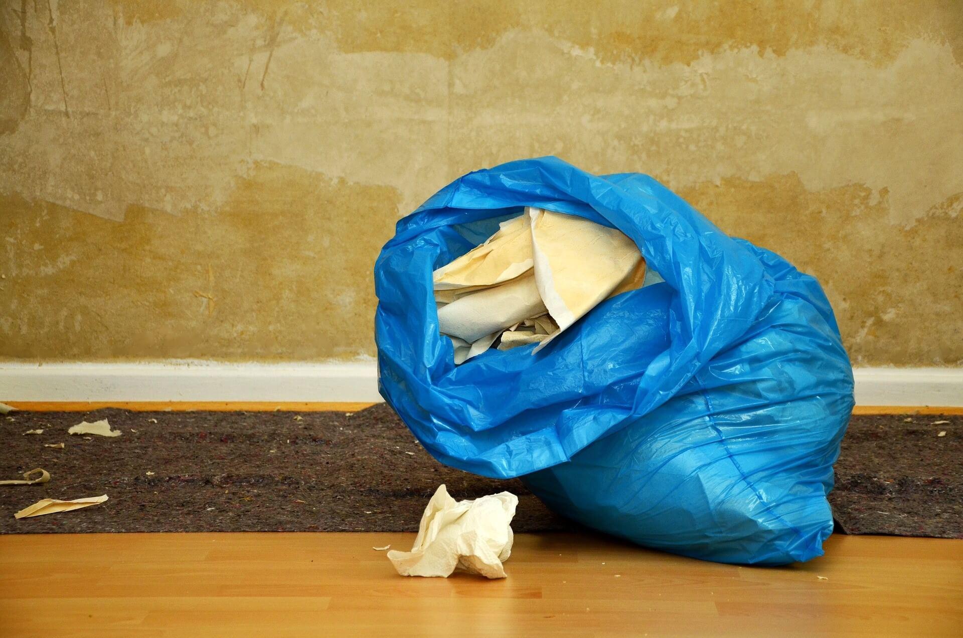 ¿Qué porcentaje de opacidad han de tener las bolsas de basura?